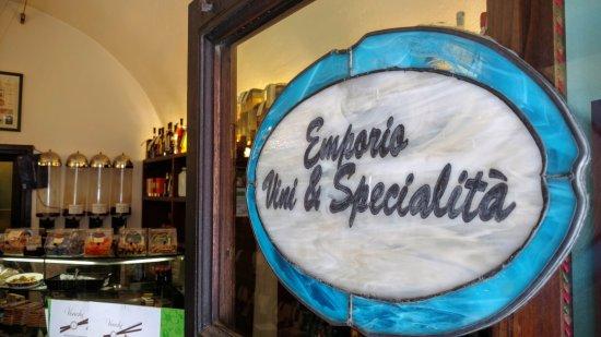 Emporio vini e specialità - Punto diVino: Emporio