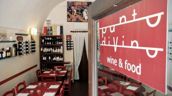 Emporio vini e specialità - Punto diVino: Punto diVino