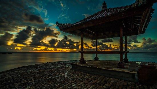 Kayumanis Nusa Dua Private Villa & Spa: Sunrise at the beach!