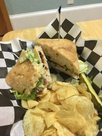 The Hungry Pelican: Best Deli in Manteo, NC!!!!