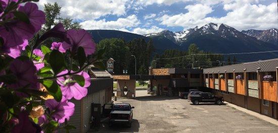 Aspen Inn & Suites: Hudson Bay Mountain view