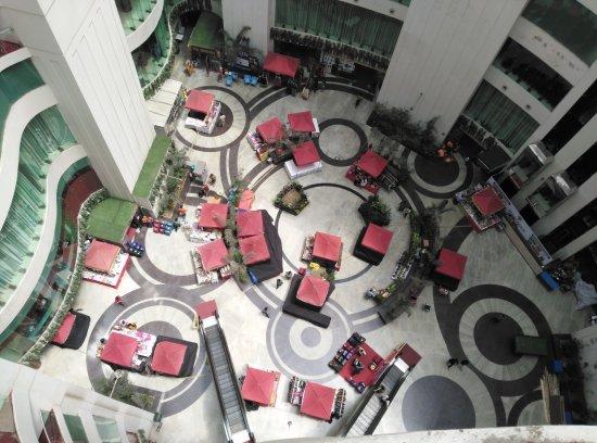 Pinnacle Mall
