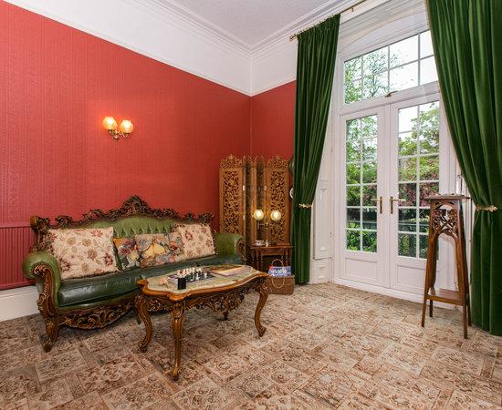 Alhambra Court Hotel York