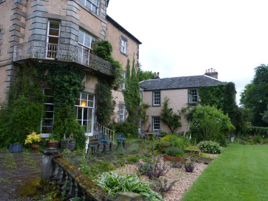 Powis House : lovely grounds