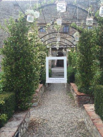 Castello di Meleto: photo2.jpg