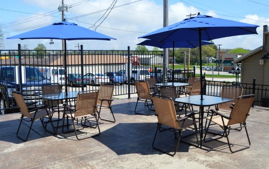 Mahomet, IL: Outdoor Seating
