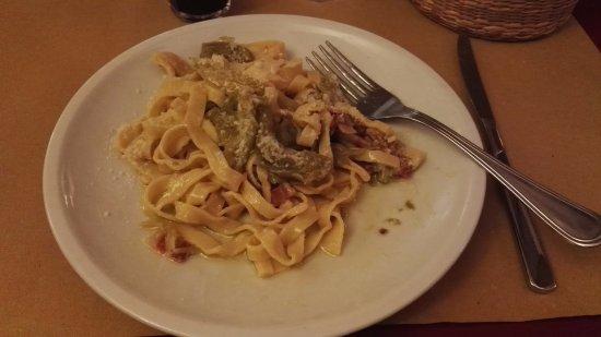 Pezzafina : Pasta mit Bacon Olivenöl und Gemüsepaprika