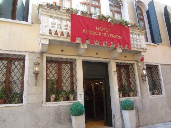 Hotel Al Duca di Venezia: Main entrance