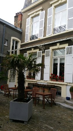Chambres d'Hotes les Terrasses de l'Enclos: 20160630_174831_large.jpg