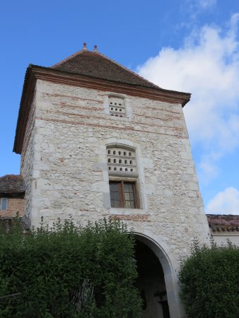 Sérignac-sur-Garonne, France : entrance tower of former convent