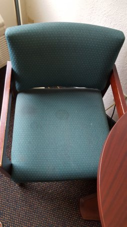 Holton, KS: Stains on chair for table set