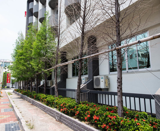 Tainan Hotel Near Train Station