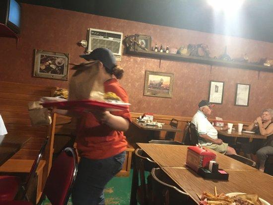 Clifton, TX: Bunkhouse Barbeque