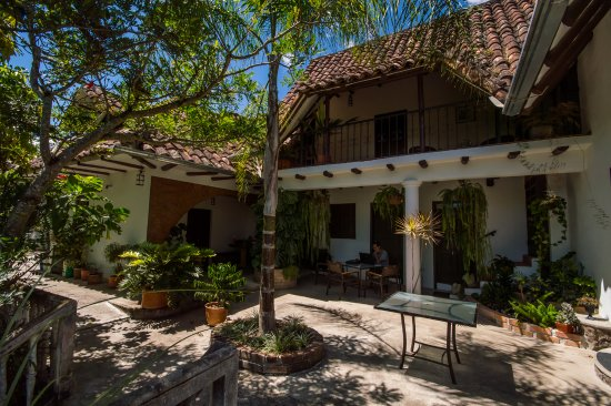 La Union, Ekwador: Enjoying the patio