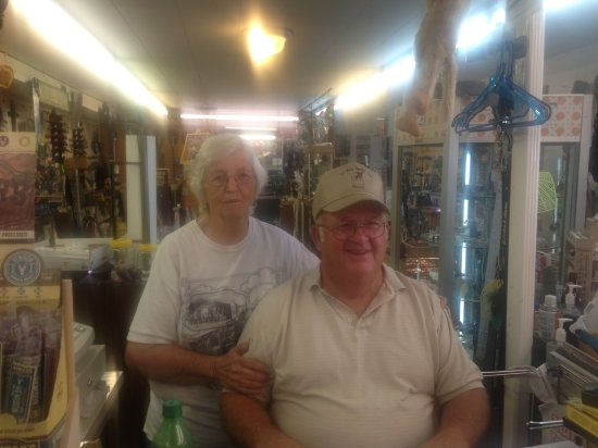 Rolla, MO: Zelma & Carl Smith Owners
