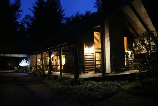 Manitou Lodge Bed and Breakfast: photo0.jpg
