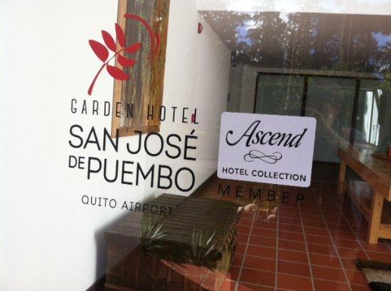 Puembo, Ecuador: Door to our building