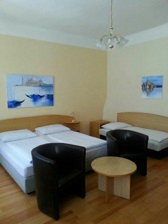Hotel Graf Stadion: IMG-20160701-WA0013_large.jpg