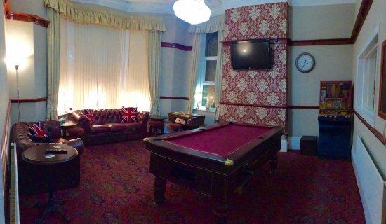 Hilbre Hotel: Lounge