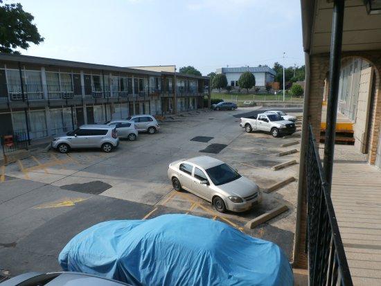 Habana Inn: Parking
