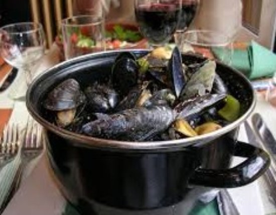 Cock and Bowl: Mussels