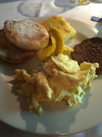 McCloud, CA: Room 226 with King bed. Garden of the hotel, scrambled eggs/English muffin/turkey sausage breakf