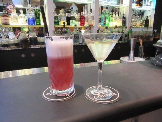هوتل أدريانو: Gin cocktails!! Yum!!
