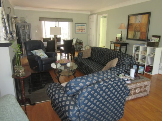 Carbonnel Bed & Breakfast: living room