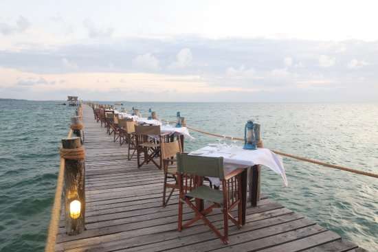 Fundu Lagoon: Dinner on the jetty (a different place each evening!)