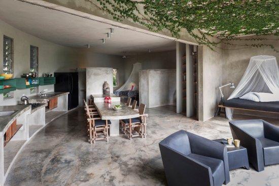 Hix Island House: Casa Redonda Loft #1