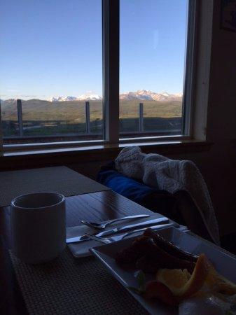Alpenglow Restaurant- Grande Denali Lodge: Early morning Breakfast