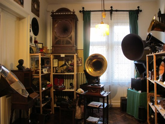 ‪Surber's Museum of Automatic Musical Instruments and Phonographs‬