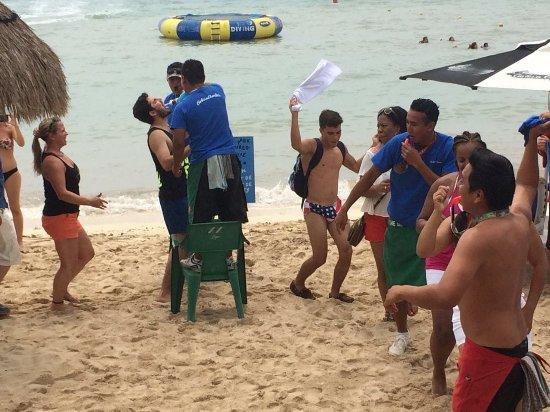Carlos' n Charlie's Beach Club : FUN