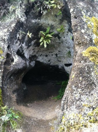Floreana, Ecuador: Cave used by 18th centure pirates and 20th century settlers