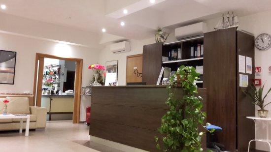 Residence Roxy : Reception