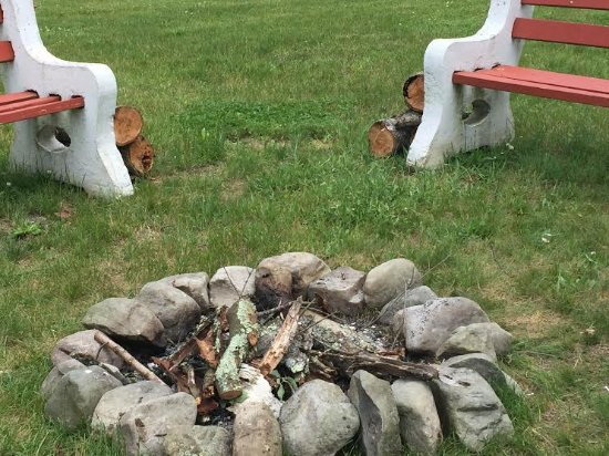 Deerfield Spa: Our new firepit