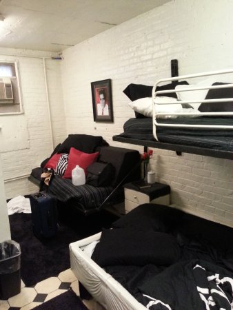 Jaileru0027s Inn Bed And Breakfast Waterbed Is Below Bunk Converted To Futon In The