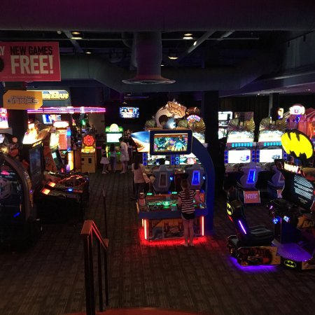 Dave & Buster's (D&B) is an American restaurant and entertainment business headquartered in Dallas, backmicperpte.ml Dave and Busters has a full-service restaurant and a video arcade. As of July , the company has 83 locations across the United States and one in Canada.