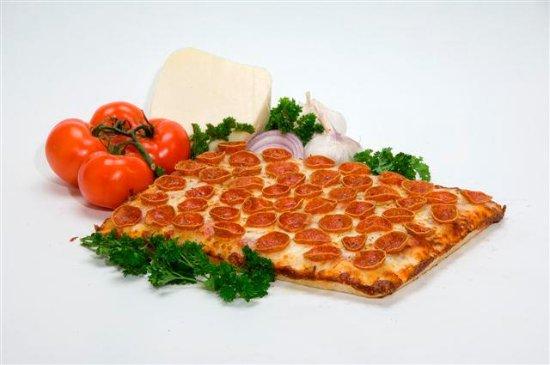 Chesterfield, MI: Italian deep Dish Pizza