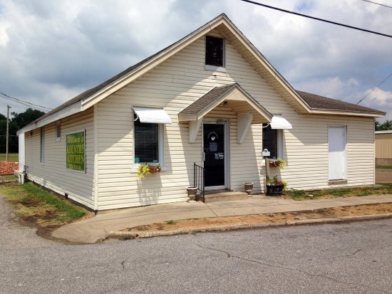 Mayfield, KY: Wilma's Kountry Kitchen, front view
