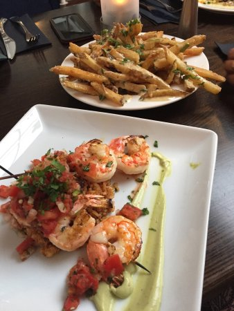 M Restaurant: Jumbo Shrimp, Sirloin