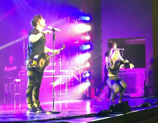 New Buffalo, MI: The Band Perry