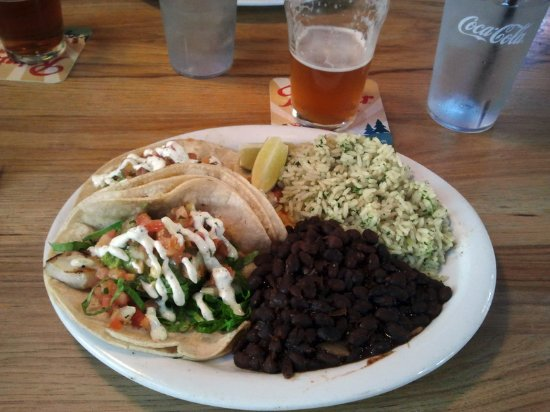 Northwood Public House and Brewery: Fish taco platter at Northwood.
