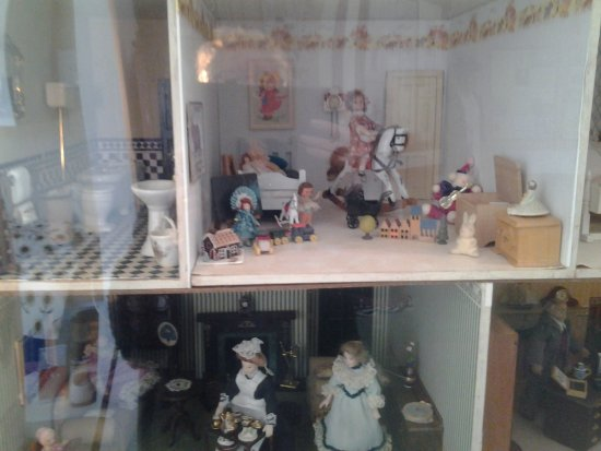 The Kowie History Museum: Part of dolls house