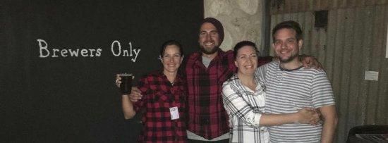 Kingscote, Australia: Nina and Mike, the owners/operators of KIB!