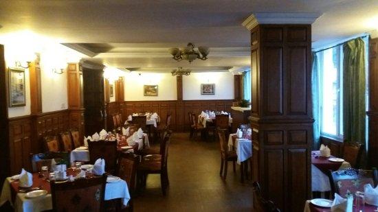 Hotel Welbeck Residency: 20160701_184200_large.jpg