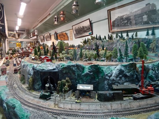 Kapuskasing, Canadá: Panoramic View of Large Model Train Layout, Done by Volunteers