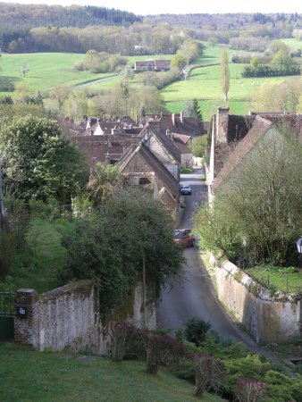 Villa Fol Avril : local village - Moutiers au Perche
