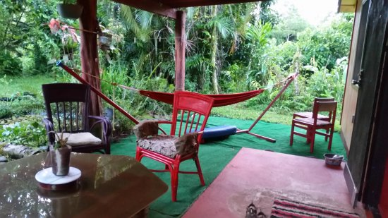 Hedonisia Hawaii Sustainable Community : Front porch of Jungle Cottage