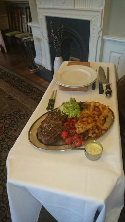 Llanhamlach, UK: Wednesday steak night